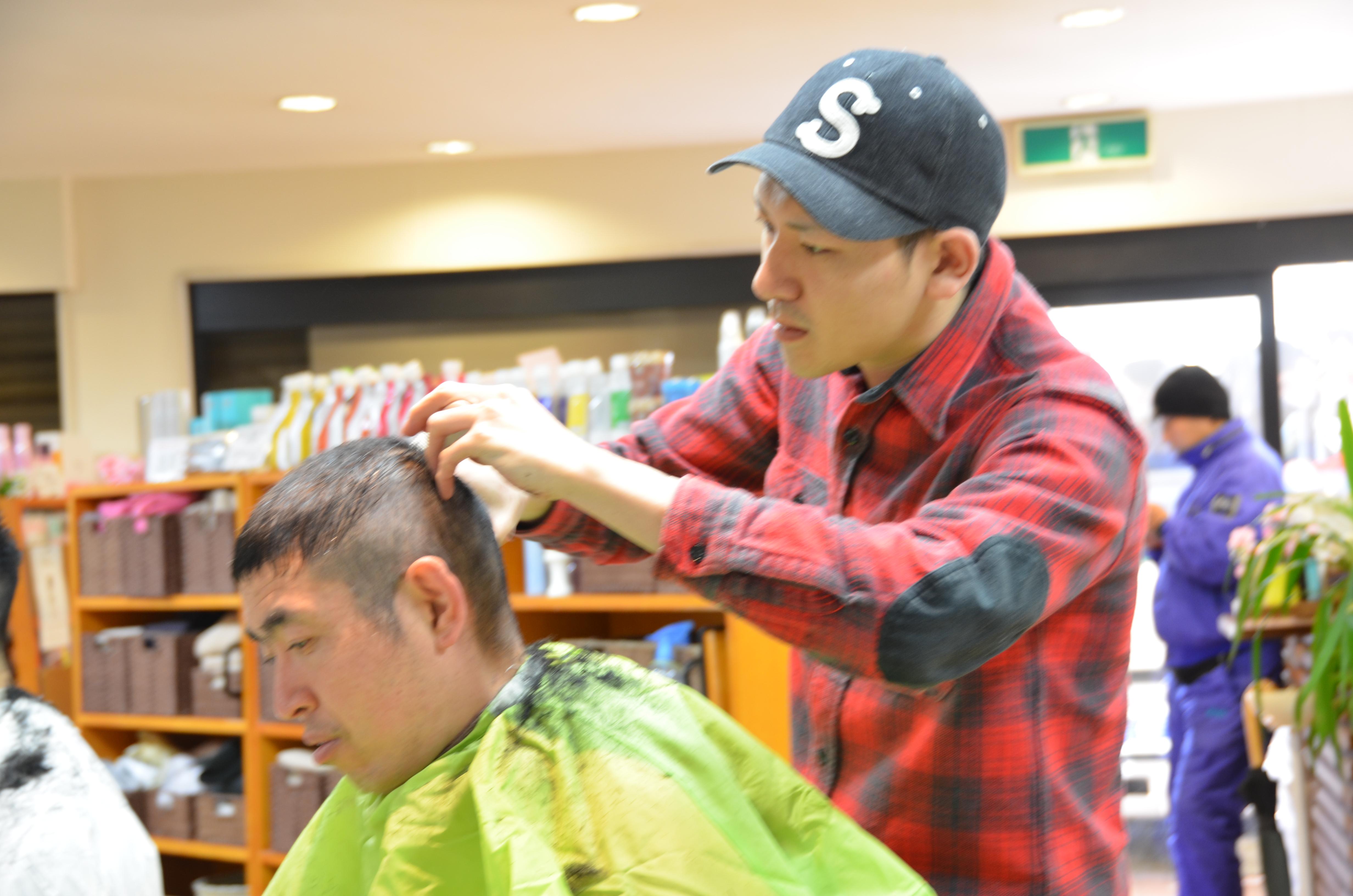 成田・富里のヘアサロン・美容院・美容室エムズハウスでは、月2回のミーティングは議題で盛りだくさんです