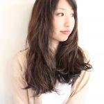 篠原涼子 髪型 大人カワイイ カジュアルスタイル イルミナカラー